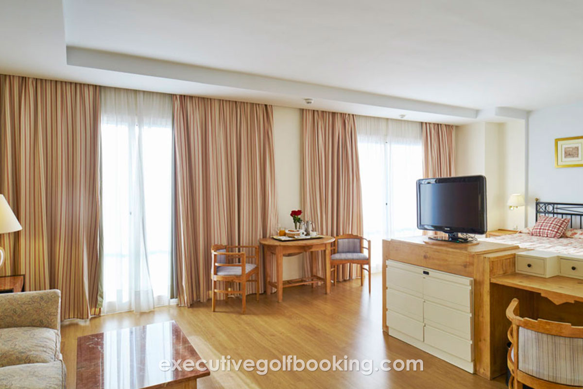 Estival Torrequebrada Hotel room